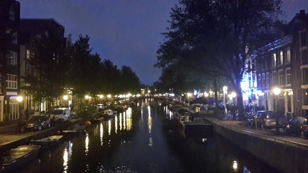 Amsterdam Kanalları Özgürlükler Şehri Amsterdam ve Mimarinin Başkenti Rotterdam