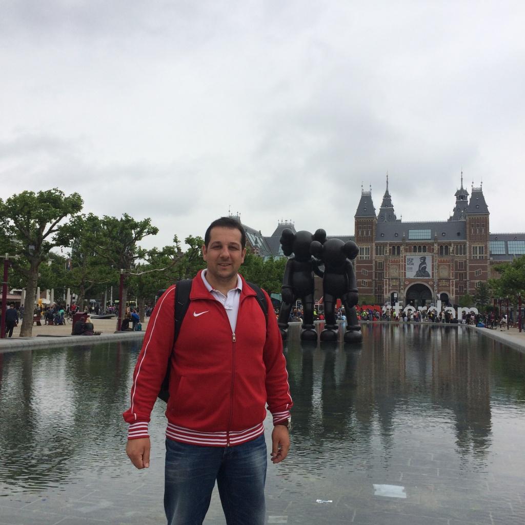 Amsterdam Museumplein (Müze Meydanı) Özgürlükler Şehri Amsterdam ve Mimarinin Başkenti Rotterdam